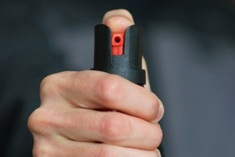 Differences Between Pepper Spray And Mace: The Definitive Guide